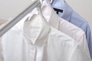 Krawatten und Hemden waschen