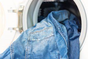 Jeansjacken reinigen