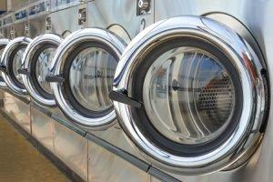 Fremdreinigung, Waschen im Waschsalon, Chemische Reinigung