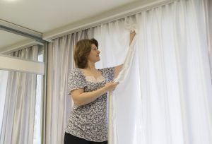 gardinen waschen tipps damit ihre vorh nge wieder strahlen. Black Bedroom Furniture Sets. Home Design Ideas