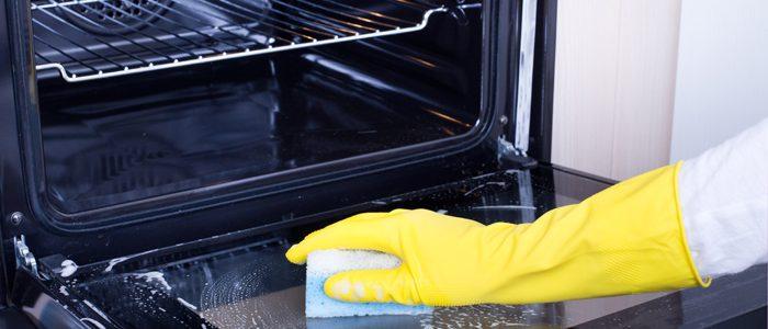 Backofen reinigen: So erstrahlt Ihr Küchengerät in neuem Glanz