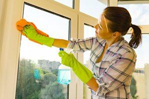 Hervorragend Fensterrahmen reinigen: Das hilft gegen vergilbte Rahmen DU02
