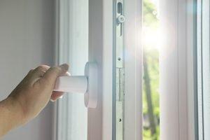 Berühmt Fensterrahmen reinigen: Das hilft gegen vergilbte Rahmen XC77