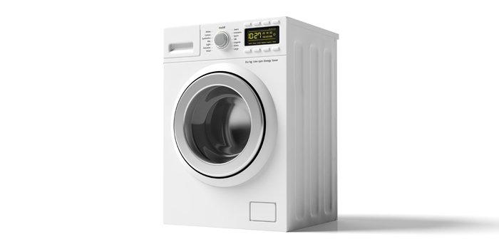 geschlossener Wäschetrockner auf weißem Grund