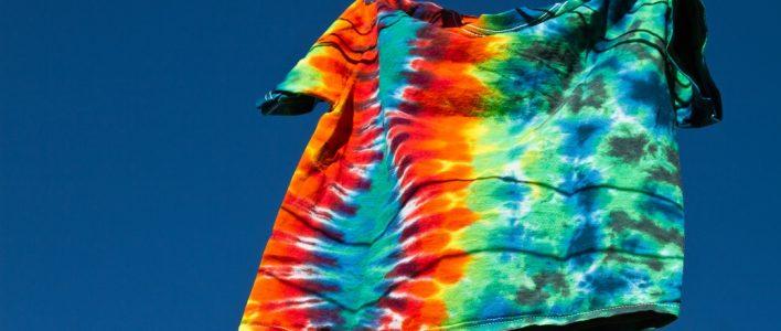 Gefärbtes T-Shirt