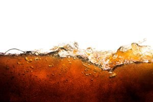 Cola auf weißem Hintergrund